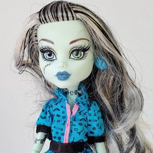 Monster High Frankie Stein Doll with Travel Bag